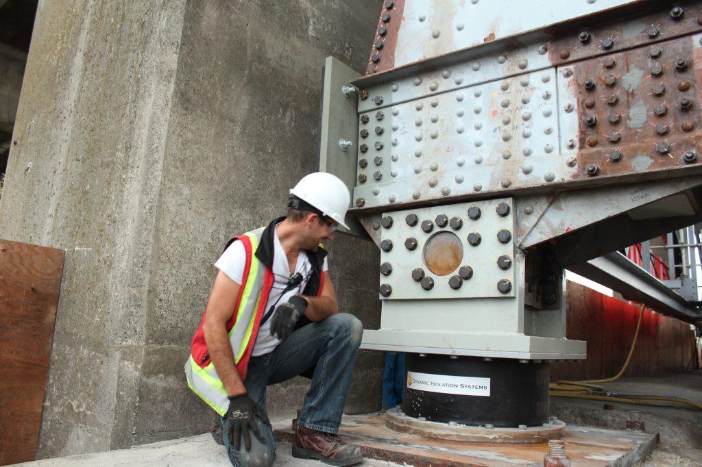 granville bridge  vancouver seismic bearing project